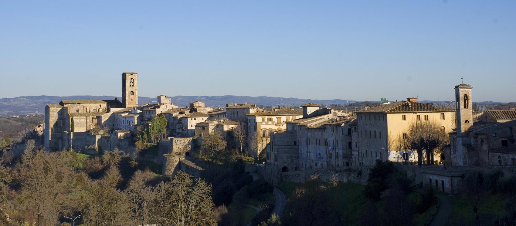 Die historischen stadtzentren von colle val d'elsa und von san gimignano