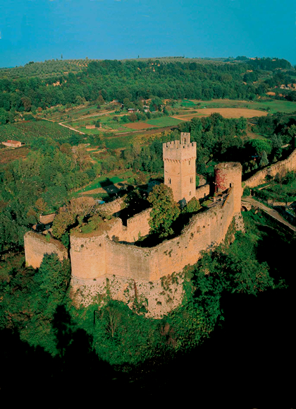 Poggiobonizio, staggia and monteriggioni: three metropolises from the medieval