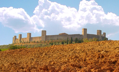 monteriggioni and staggia: the fortresses. Symbols of the for centuries ongoing battles between florence and siena