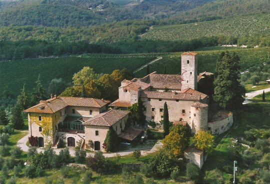 the most beautiful farms and manors of the chianti senese