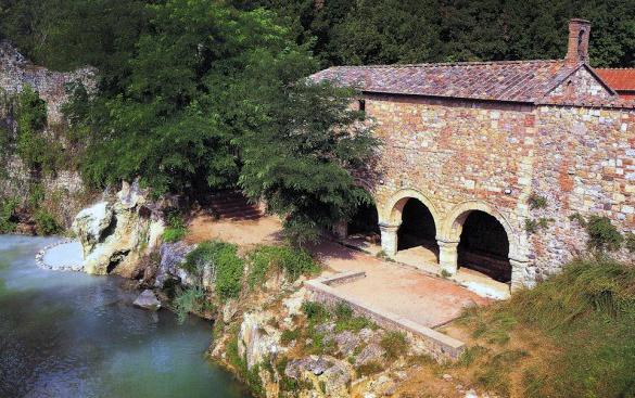Monticiano: terra di terme e riserve naturali