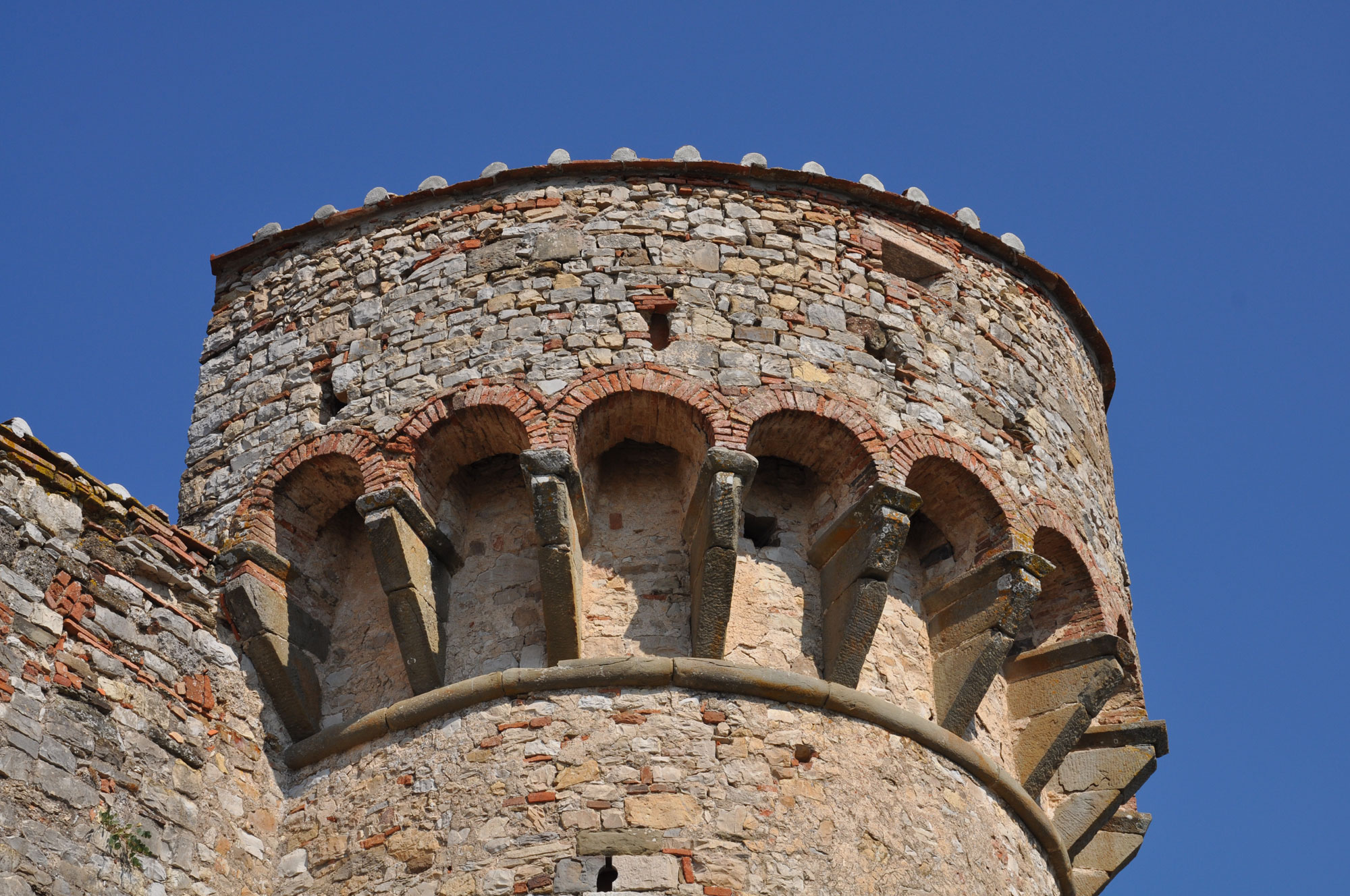 Castelli e vino: i piu' bei castelli-fattorie del Chianti senese